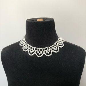 Faux pearl chocker collar style necklace fancy
